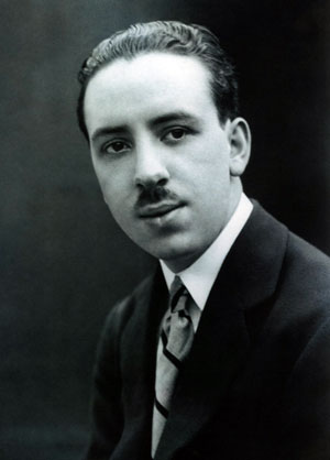 Alfred Hitchcock nel 1923